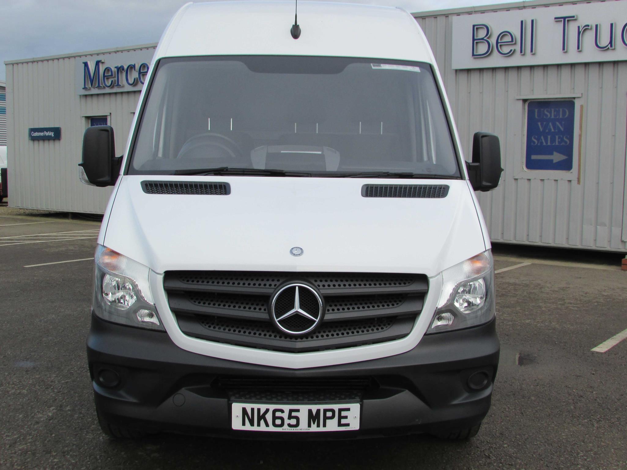 Mercedes benz sprinter 313cdi van bell truck and van for Mercedes benz sprinter van accessories