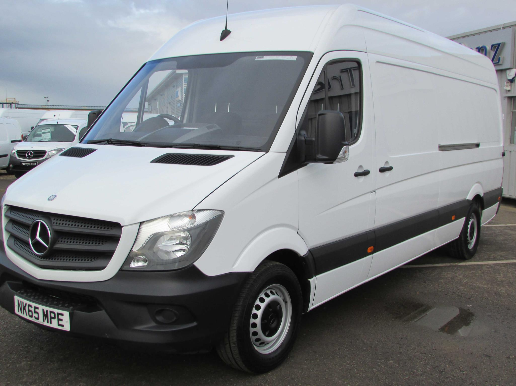 Mercedes benz sprinter 313cdi van bell truck and van for Mercedes benz van 2015