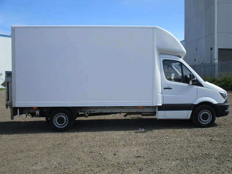 Mercedes benz sprinter 313cdi luton box bell truck and van for Mercedes benz box truck