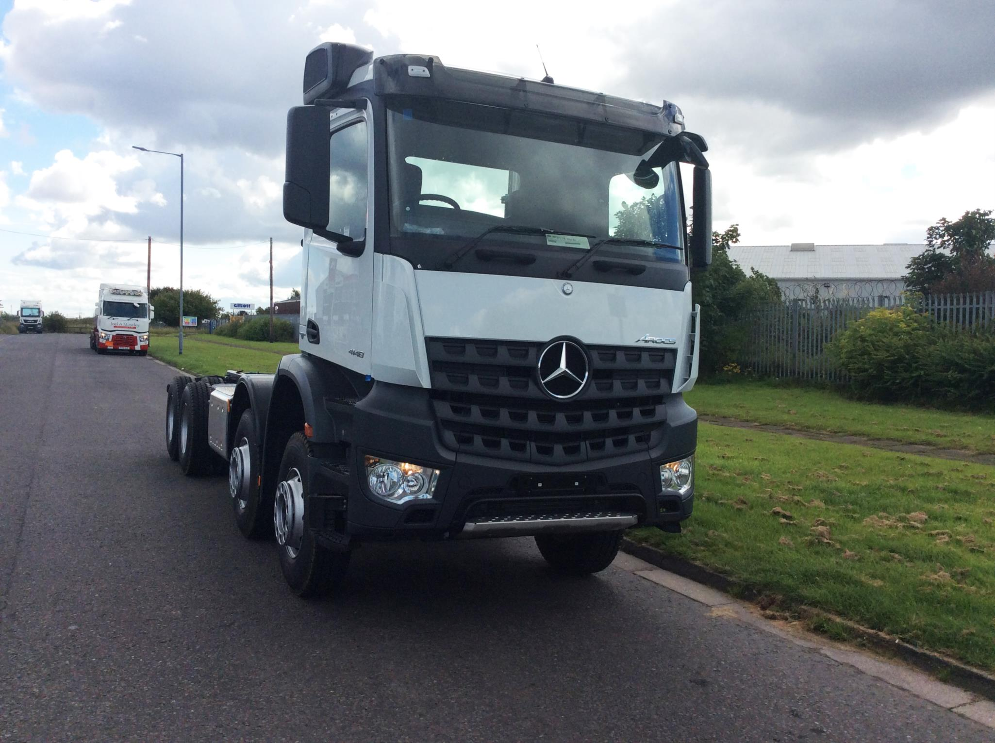 Mercedes benz arocs 4148k chassis bell truck and van for Used mercedes benz truck