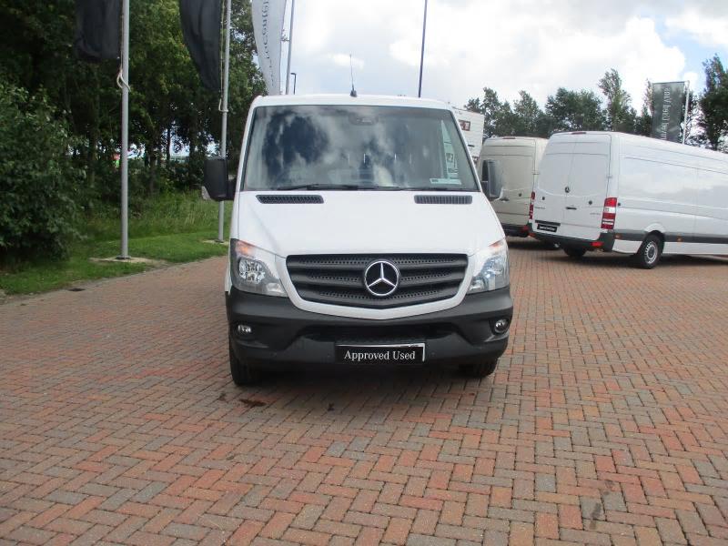 Mercedes benz sprinter 211cdi van bell truck and van for Mercedes benz used vans
