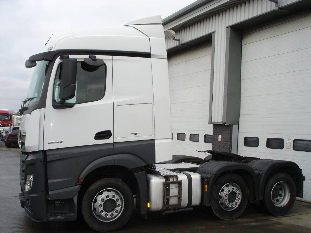 Mercedes Benz Actros 2545ls Tractor Unit Bell Truck And Van