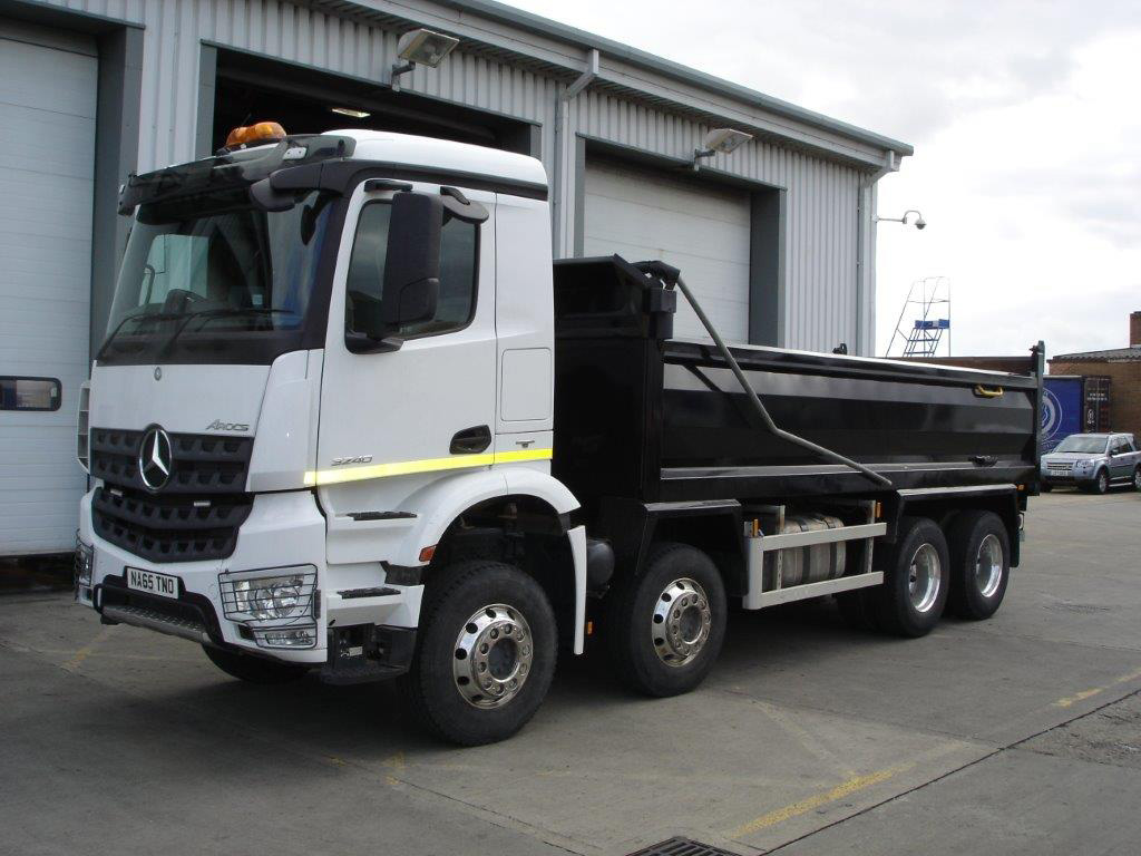Mercedes benz arocs 3240k tipper bell truck and van for Mercedes benz box truck