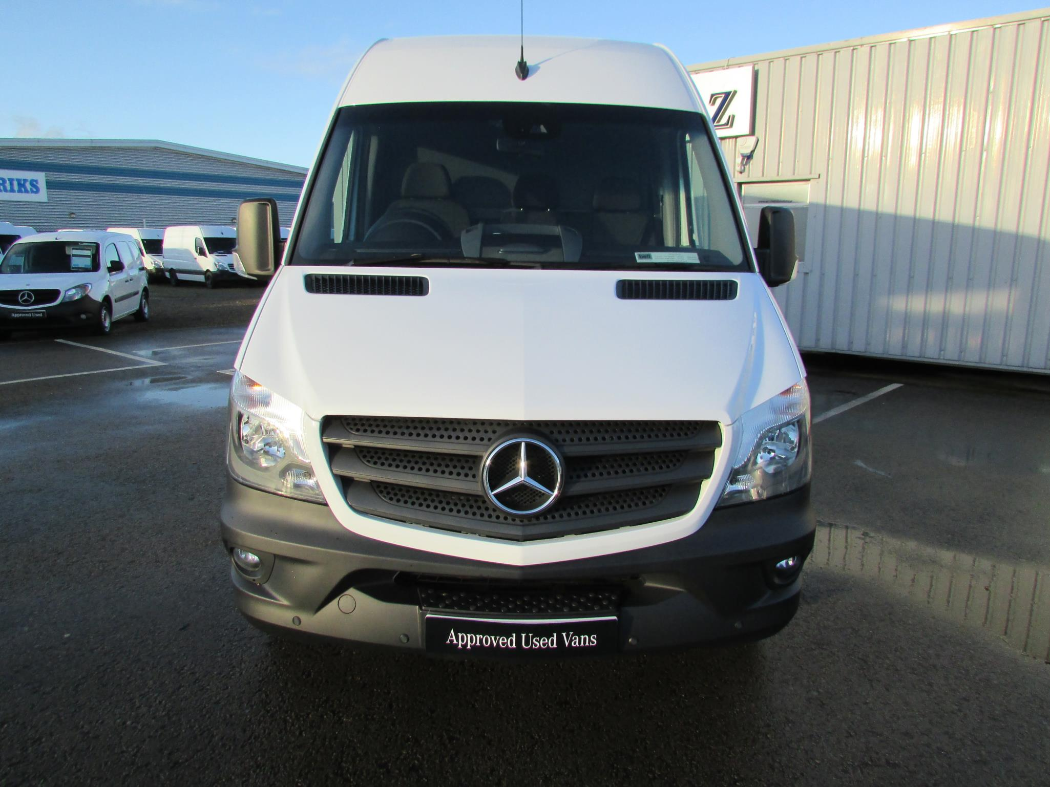 Mercedes benz sprinter 313cdi van bell truck and van for Mercedes benz van