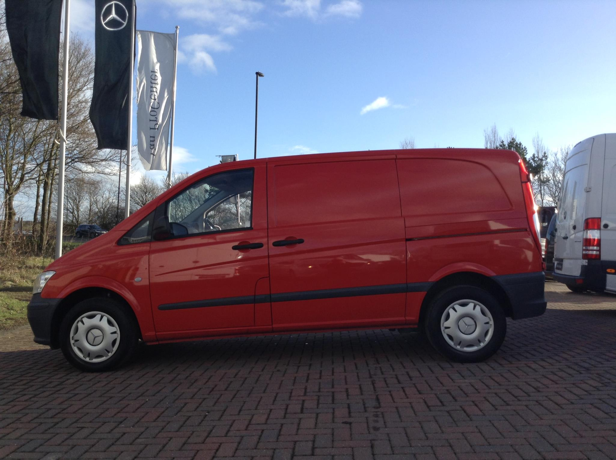 Mercedes benz vito 110cdi van bell truck and van for Mercedes benz van