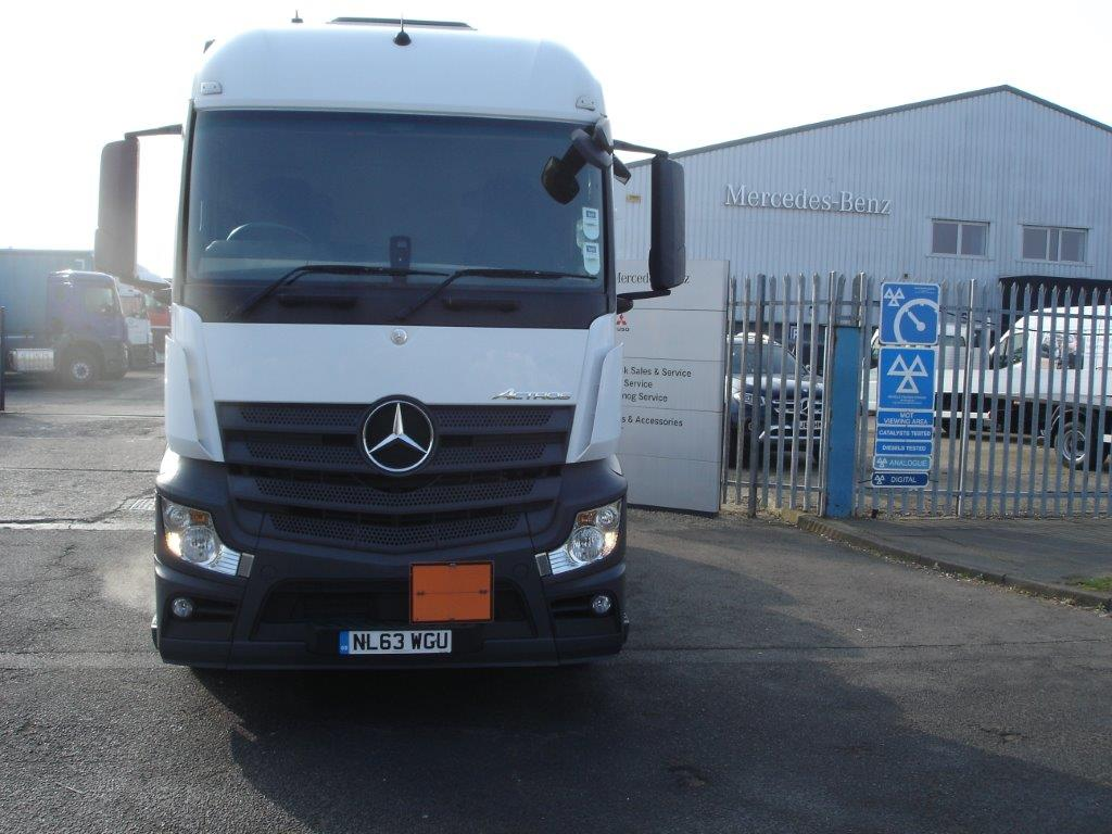 Mercedes-Benz New Actros 2542LS Streamspace cab - Bell Truck